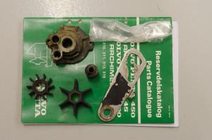 Anders fixande fram de delar som jag behövde för att få ordning på motorn.